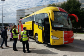 Third airport to tourist resort bus service now running
