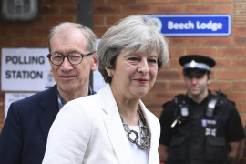 May gets DUP support to form government
