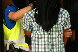 """Spain arrests """"highly radicalised"""" Moroccan with suicide bomb manual"""
