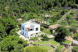 Douglas drops the price of his Majorcan home again