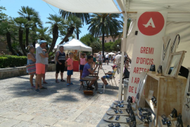 Craft sellers fed up with illegal trading in central Palma