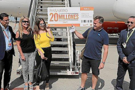 EasyJet celebrates 20 millionth passenger at Palma