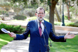 "Rajoy attacks ""extremists"" who want to bash tourism"