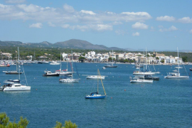 Boats in Portocolom bay flouting anchoring regulations