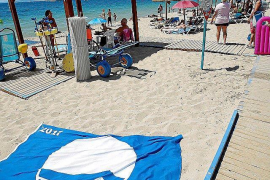 Can Pere Antoni Blue Flag removed because of plastic