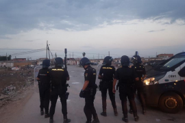 Police fire rubber bullets to break up Son Banya attackers