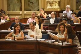 Barceló escapes censure as Armengol defends tourism
