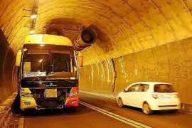 Soller Tunnel reopened after bus breakdown