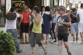 New July population maximum for the Balearics