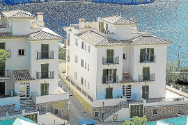 Half a million euros to demolish Cala Llamp apartments