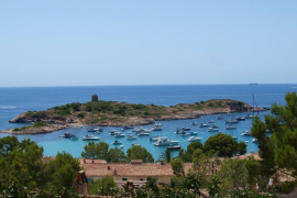 Opposition to the tourist tax being applied to the nautical sector