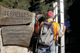 Police checking hiker access to Ternelles finca