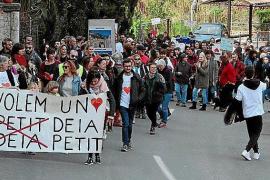 Protest against Deià development