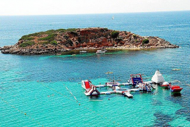 Court overturns Calvia floating waterparks ban