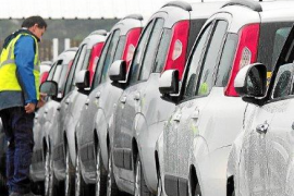 Over 50,000 hire cars will be illegally on the roads this summer
