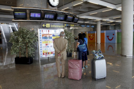 Airport passenger numbers down in April