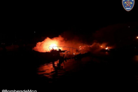 Boats in Puerto Pollensa wrecked by fire