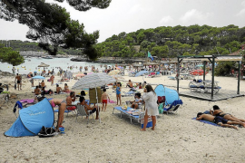 Beachgoers in the Mondragó park to be limited
