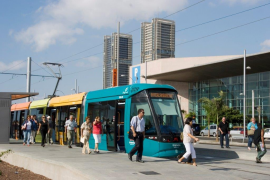 Airport tram and new railways in government transport plan