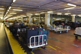 Union renewing airport ground staff strike threat