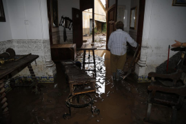 Number of properties damaged by the floods at least 500