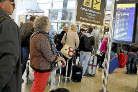 Four per cent rise in October airport passenger numbers