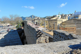 Alcudia walls walkway being extended