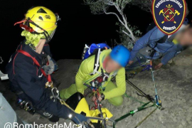 Fire brigade rescues climbers in Bunyola
