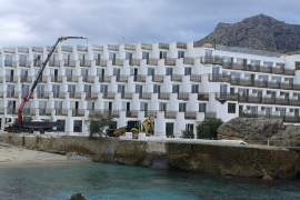 Work at Cala San Vicente hotel is suspended