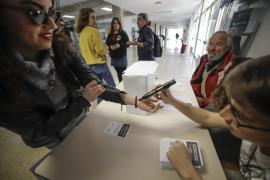 University votes in favour of a republic