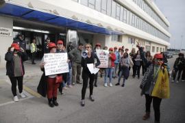 Airport cleaning staff protest against working conditions