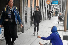 Complaints about beggars on Palma's Blanquerna