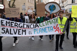 Climate change protest highlights tourism impact