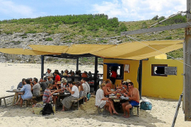 Cala Torta chiringuito operating without licence