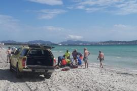 Playa de Muro lifeguards save girl