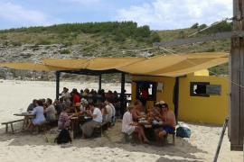 Costas orders the dismantling of Cala Torta chiringuito