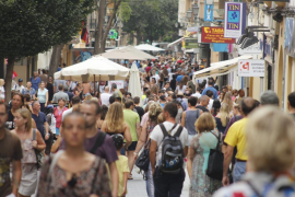 Balearics population grows by over 20,000