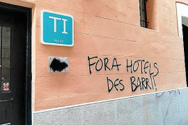 """Tourists kill the city"" graffiti springing up in Palma"