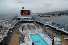 Cruise ship solar cream fears