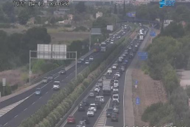 Long tailbacks on the Llucmajor motorway due to accident at the top of El Molinar