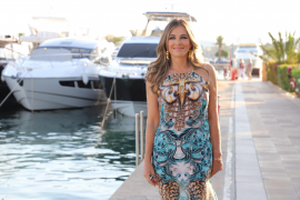 Elizabeth Hurley opens pop-up store