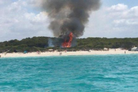 Fire next to Es Trenc beach
