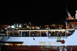 Open Arms docks in Lampedusa