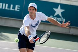 Murray arrives at the Rafa Nadal Academy