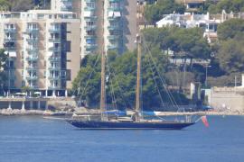 Classic 1915 yacht Mariette in Palma bay