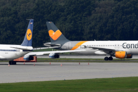 An Airbus A320 of Condor Airlines lands at the airport in Hamburg