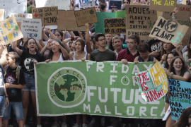 Over 4,000 on Palma climate strike march
