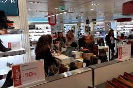 First day of the sales at El Corte Ingles in Palma