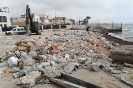 Demolition continues at El Molinar port