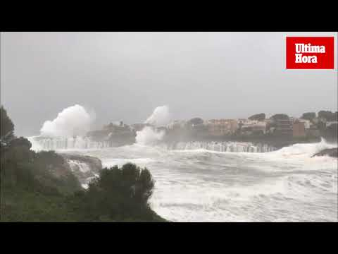 Sea front homes evacuated in Cala Marçal as storm hits